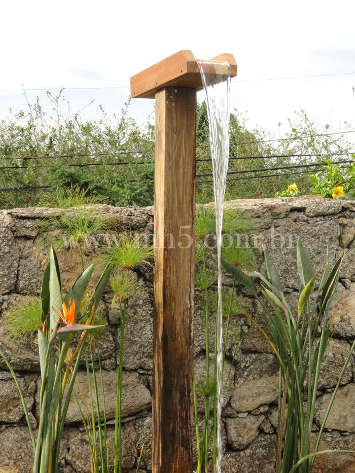 Chuveir o de madeira para piscinas mh5 carpintaria - Duchas para piscina ...